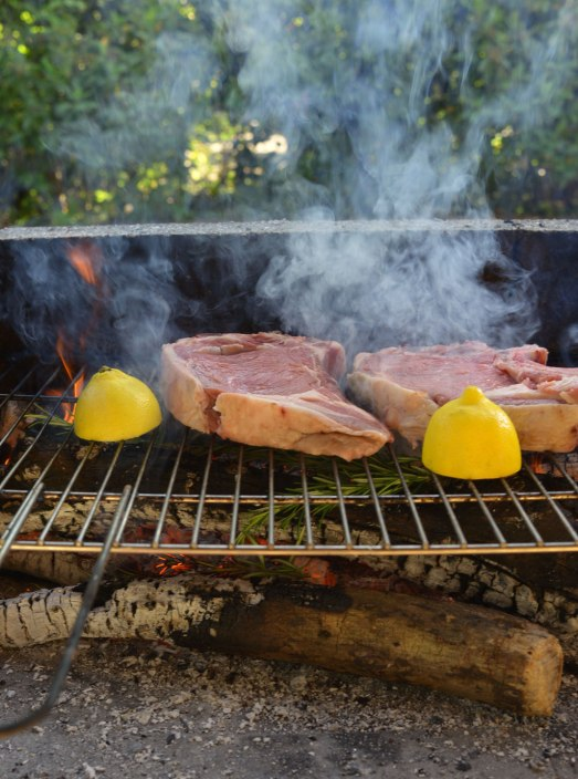 grill-kött
