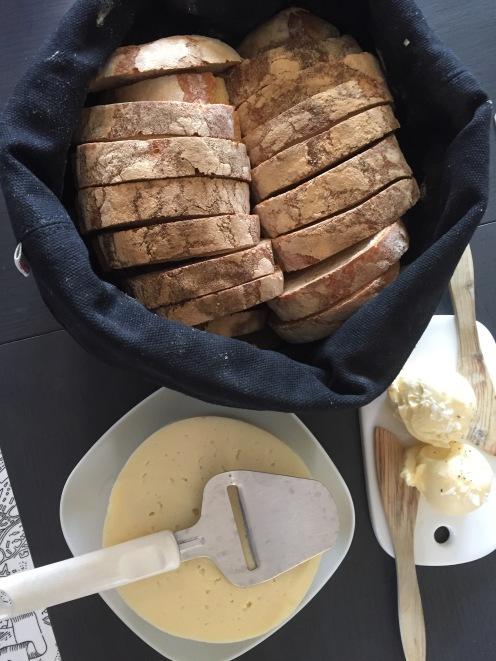 Bröd i korg