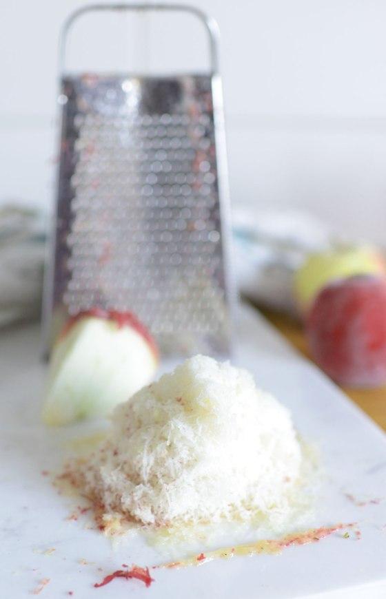 rivet-apple